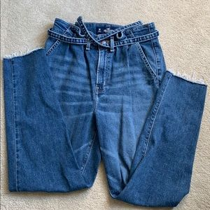 HOLLISTER high rise mom jeans 3R
